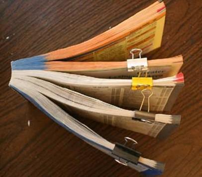黄页废物利用制作桌面笔筒